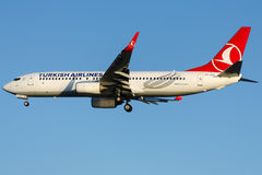 TC-JFZ Turkish Airlines, Boeing 737-8F2 som namnges BOLU Royaltyfria Bilder