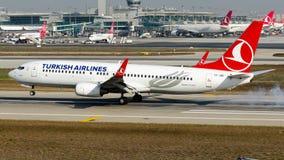 TC-JGC Turkish Airlines, Boeing 737-800 namngav ABANT Arkivbilder