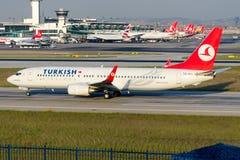 TC-JHC Turkish Airlines Boeing 737-8F2 ISKENDERUN Foto de archivo