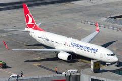 TC-JHN Turkish Airlines Боинг 737-8F2 YESILIRMAK Стоковые Фотографии RF