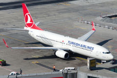 TC-JHN Turkish Airlines Boeing 737-8F2 YESILIRMAK Zdjęcia Royalty Free
