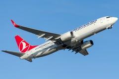 TC-JHR土耳其航空,波音737-8F2马尼萨 库存图片
