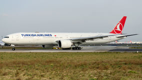 TC-JJE Turkish Airlines, Boeing 777-3F2 named DOLMABAHCE Royalty Free Stock Image