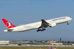 TC-JJP Turkish Airlines Boeing 777-3F2(ER) Royalty Free Stock Photos