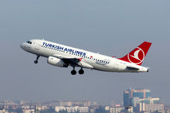 TC-JLZ Turkish Airlines Airbus A319-132 EDIRNEKAPI Royalty Free Stock Image