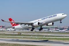 TC-JNS土耳其航空,空中客车A330-303 HATTUSAS 免版税库存照片