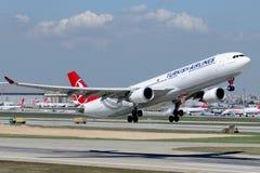 TC-JNT Turkish Airlines Aerobus A330-302 TRUVA (TROJA Zdjęcia Stock