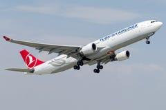 TC-JOA土耳其航空,空中客车A330 - 300命名了棉花堡 库存照片