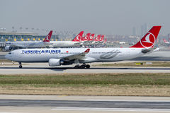 TC-JOB土耳其航空,空中客车A330-303 BOZCAADA 图库摄影