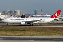 TC-JOF土耳其航空,空中客车A330-303 免版税库存照片