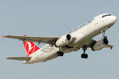 TC-JPJ Turkish Airlines, Airbus A320-223 named EDREMIT Royalty Free Stock Photography