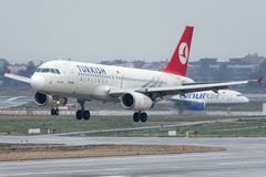 TC-JPR Turkish Airlines, Airbus A320-232 KUSADASI Royalty Free Stock Images