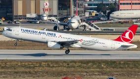 TC-JRC Turkish Airlines, Aerobus A321-231 zwany SAKARYA Fotografia Royalty Free