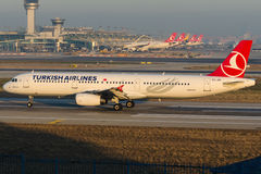 TC-JRE Turkish Airlines, Airbus A321-231 nomeado BEYPAZARI Imagem de Stock