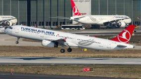 TC-JRH Turkish Airlines, Aerobus A321-231 zwany YALOVA Fotografia Royalty Free