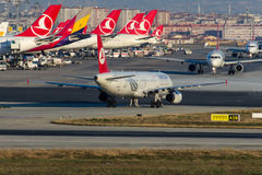 TC-JRI Turkish Airlines Airbus A321-231 ADIYAMAN Imagens de Stock Royalty Free