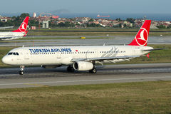 TC-JRN Turkish Airlines, Airbus A321-231 nomeado SARIYER Imagem de Stock