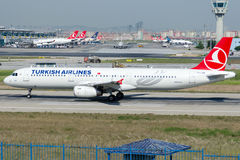 TC-JSB Turkish Airlines, Airbus A321-231 named MUT Royalty Free Stock Images