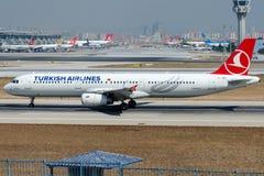 TC-JSD Turkish Airlines, Airbus A321-231 nomeou KIZ KULESI Foto de Stock Royalty Free