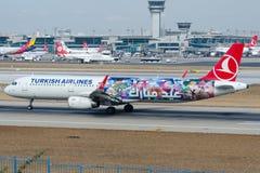TC-JSL Turkish Airlines, flygbuss A321-231 som namnges KULU Royaltyfri Fotografi