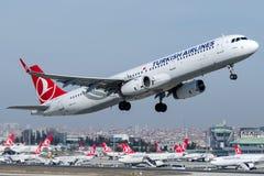TC-JSP Turkish Airlines, Airbus A321 - 200 nomearam SIRNAK Fotografia de Stock