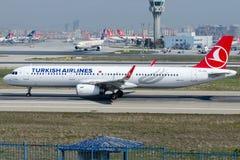 TC-JTA Turkish Airlines, Airbus A321-231 nomeado GELIBOLU Fotografia de Stock Royalty Free
