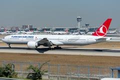 TC-LJA Turkish Airlines, Boeing 777-3F2/ER Στοκ φωτογραφία με δικαίωμα ελεύθερης χρήσης