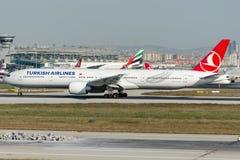 TC-LJC Turkish Airlines, Boeing 777-3F2 Royaltyfri Fotografi