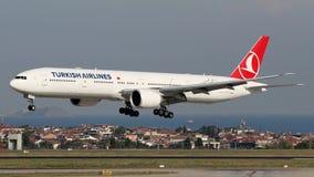 TC-LJI Turkish Airlines, Боинг 777-300 Стоковые Фото