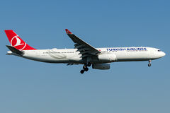 TC-LOA Turkish Airlines, Airbus A330 - 300 Imagens de Stock