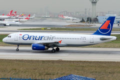 TC-OBL Onur Air, Airbus A320-232 Royalty Free Stock Photo