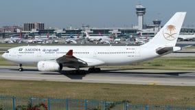 TC-OCH Saudi Arabian Airlines (Onur Air), flygbuss A330-243 Royaltyfria Bilder