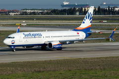 TC-SEK Sun expresso, Boeing 737 - 800 Fotografia de Stock Royalty Free