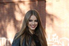 Tchoumitcheva inverno 2015 2016 do outono do streetstyle da semana de moda de Milão de Xenia, Milão Imagens de Stock