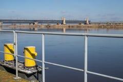Tczew, pomorskie/Polen - 28 Maart, 2019: Oude historische Lisewski-brug Weg die over Vistula kruisen stock foto