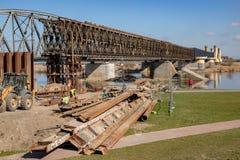 Tczew, pomorskie/Polen - 28 Maart, 2019: Remont van de oude historische Lisewski-brug Wederopbouw van de Vistula-kruising royalty-vrije stock afbeeldingen