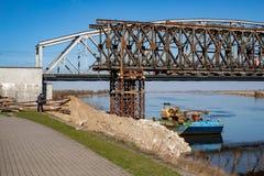 Tczew, pomorskie/Polen - 28 Maart, 2019: Remont van de oude historische Lisewski-brug Wederopbouw van de Vistula-kruising royalty-vrije stock fotografie