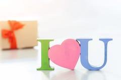 Te amo y yo déle muchos presentes copyspace Imágenes de archivo libres de regalías