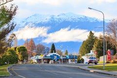TE ANAU NUEVO SELANDIA 29 DE AGOSTO: Te Anau es ciudad baja importante imagenes de archivo