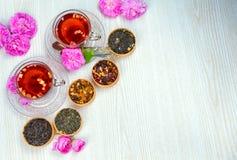 Te fruktte, kopp te, olika sorter av te, te på tabellen Royaltyfri Bild