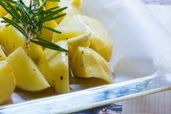 Te koken braadstukaardappels Stock Foto