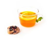 Te med citronen, kakan och mintkaramellen Royaltyfria Foton