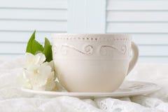 Te med vita blommor Arkivbilder