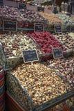 Te shoppar i den storslagna bazaren, Istanbul, Turkiet Fotografering för Bildbyråer