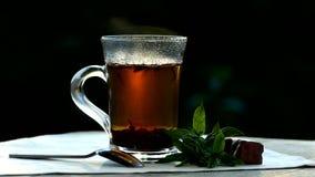 Te som dricker i den öppna luften arkivfilmer