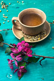 Tea brewed with chamomile in ceramic mugs Royalty Free Stock Photography