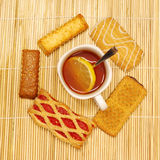 Tea cup with biscuits Royalty Free Stock Photos