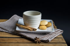 Tea cup with crackers Stock Photography