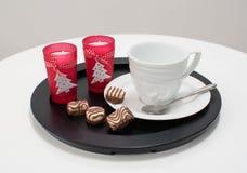 Tea eller kaffe kuper portionen för jul Fotografering för Bildbyråer