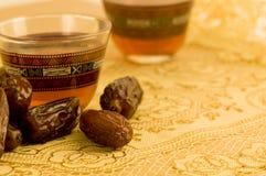 tea för 2 svart koppar Arkivbilder